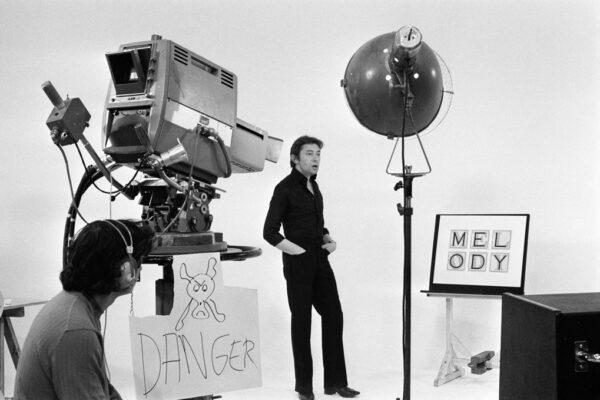 photo de Serge Gainsbourg en studio pour la promotion d'Histoire de Melody Nelson